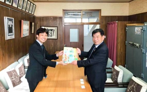 小学校 図書 寄付 寄贈 みどりの図書 豊川市 愛知県