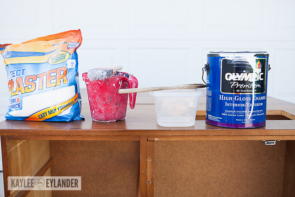 DIY Chalkpaint changing table from dresser-4