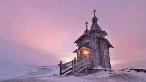 православный храм в Антарктике - церковь в честь Святой Троицы