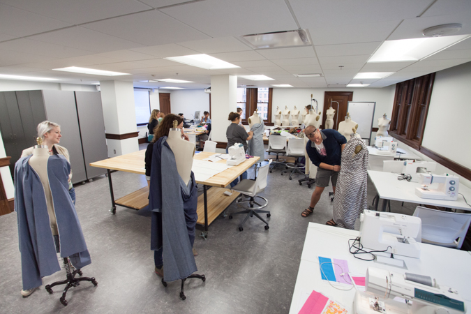 Fashion Studies Classroom Kendall College Of Art And