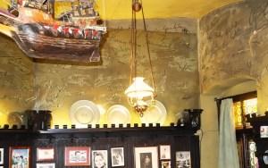 Griechenbeisl Signatures in Mark Twain room