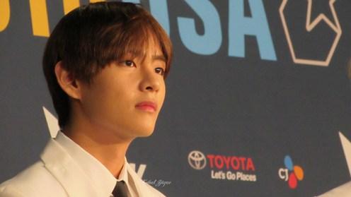BTS Kcon LA 16 V Taehyung 6135-kcj