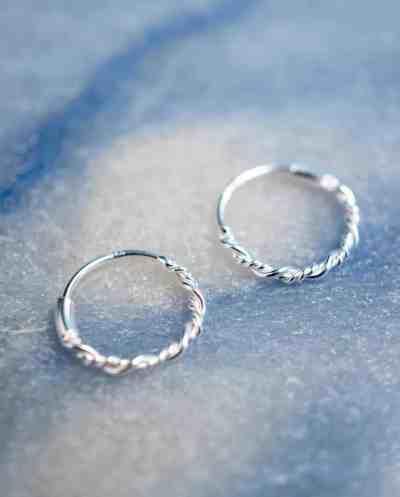 Zilveren 'Twisted Hoops' oorbellen