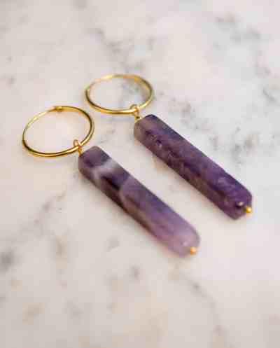 Handgemaakte Gouden oorbellen met 'Amethist' edelsteen