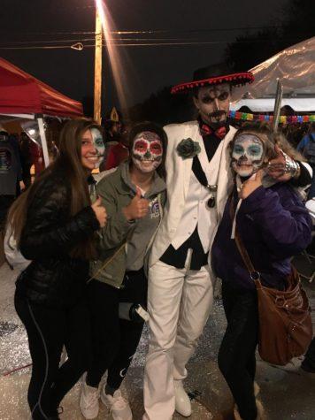 Students and Faculty celebrate La Dia De Los Muertos