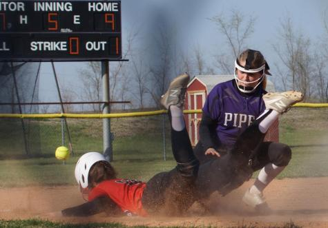 Lady Pirates fall short of a double victory against the Ottawa Cyclones on April 17