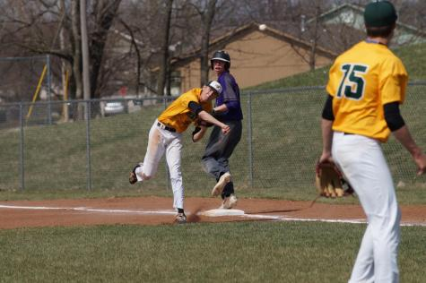 The Pirates fall short of victory against the Bobcats on April 11