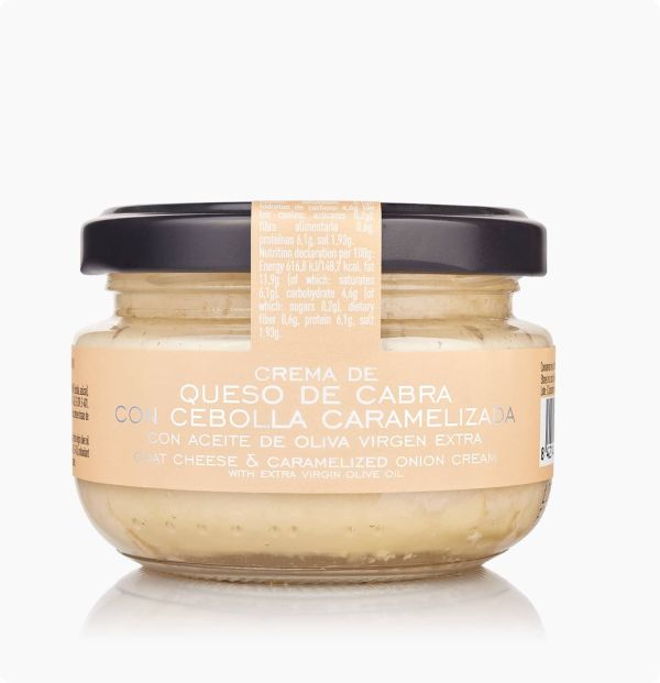 crema de queso de cabra con cebolla caramelizada con aceite de oliva virgen