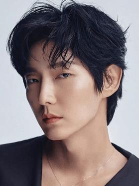 Lee Joon Gi, 39 (Moon Lovers)