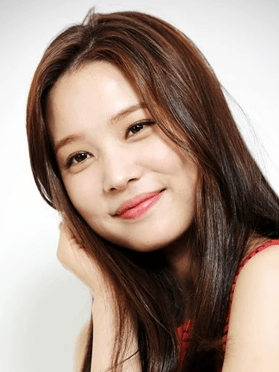 Yoon So Hee, 28 (A Witch's Love)