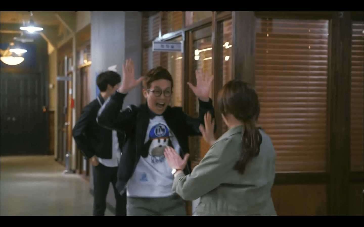 You Re All Surrounded Episode 3 Fashion