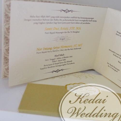 Undangan Pernikahan Hardcover Warna Gold Emas Elegan