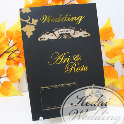 Undangan Pernikahan Hitam Emas Gold Elegan Murah