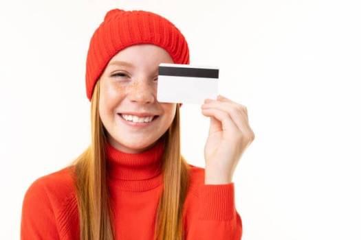 Как зарабатывать на кредитной карте?