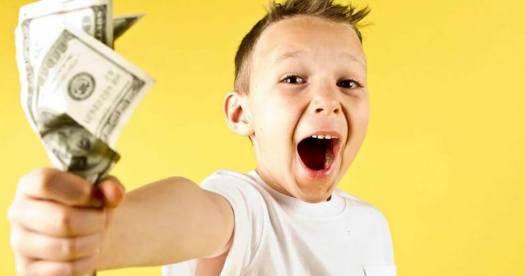 Когда и как начать рассказывать ребенку про деньги