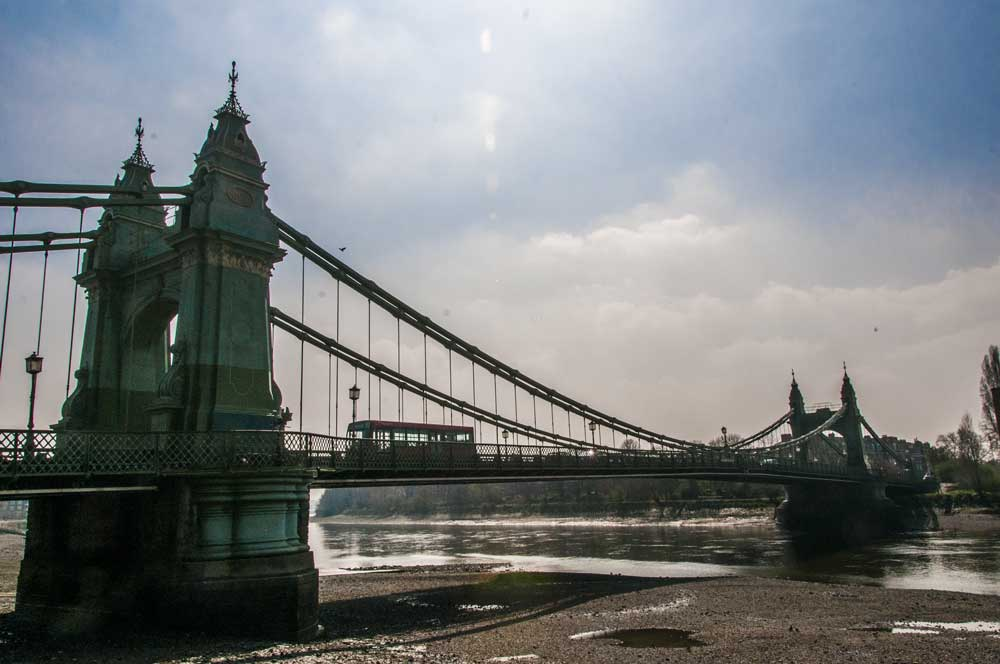https://i2.wp.com/www.keepthingslocal.com/wp-content/uploads/Keep-Things-Local-Hammersmith-Bridge.jpg