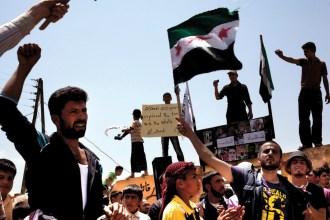 Στο άντρο των Σύριων ανταρτών
