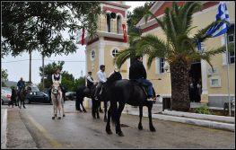 Περιφορά της εικόνας του Αγίου Γεωργίου με άλογα