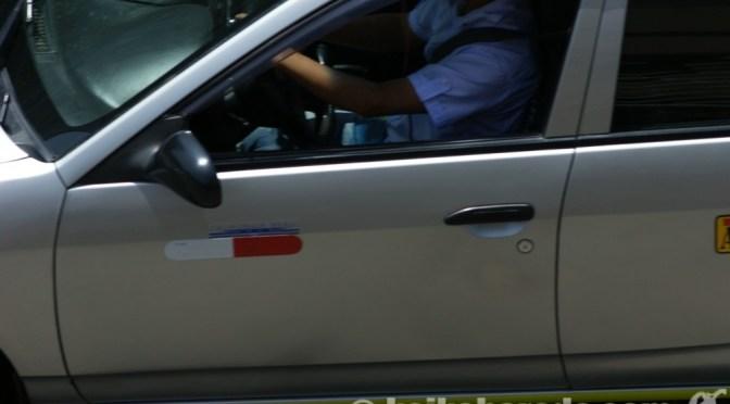 リマの違法タクシー摘発4万件 昨年の3倍超