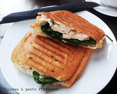 Chicken & pesto flatbread