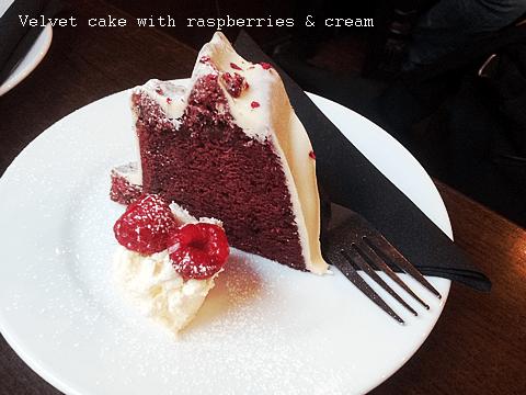 Velvet cake with rasberries & cream
