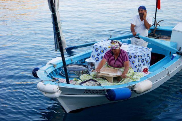 TurkeyPeopleBoat