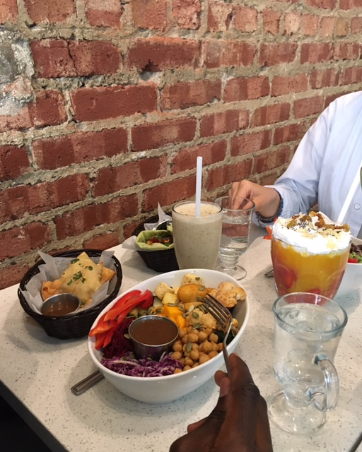 salad bowl, smoothie, spicy food