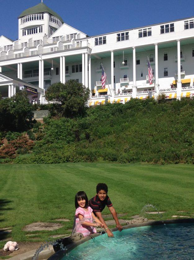 kids-at-grand-hotel