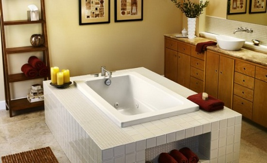 Best Soaking Tubs for Small Bathrooms