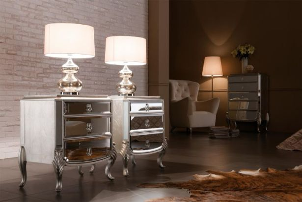 Mirrored Furniture Design Charming Beside Table with Glass Queen Anne