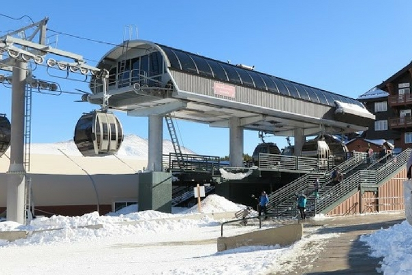 """Breckenridge """"Breck Connect"""" Gondola- FREE Ride. Check out this list of 10 things to do in Breck!"""