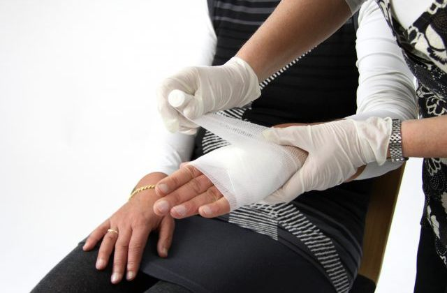 Bind The Bones Of Your Business With First Aid Training For Shop Staff