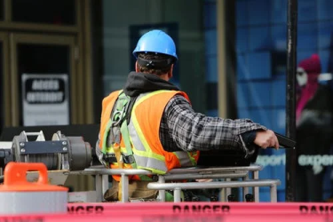 4 Effective Ways to Promote Workplace Safety