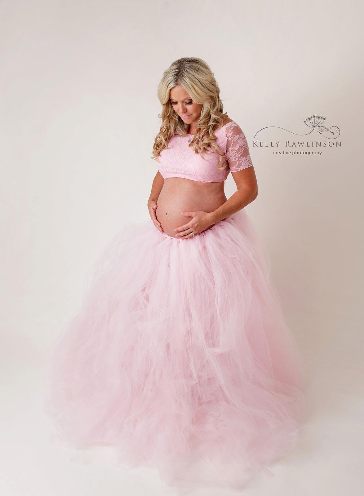 high quality pregnancy photos, newmarket maternity photographer