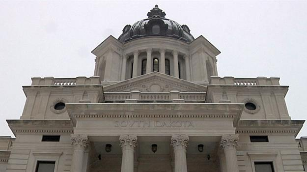 south-dakota-capitol-building-pierre_520191520621