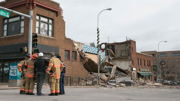 courtesy-christopher-reistroffer-copper-lounge-collapse_309134540621