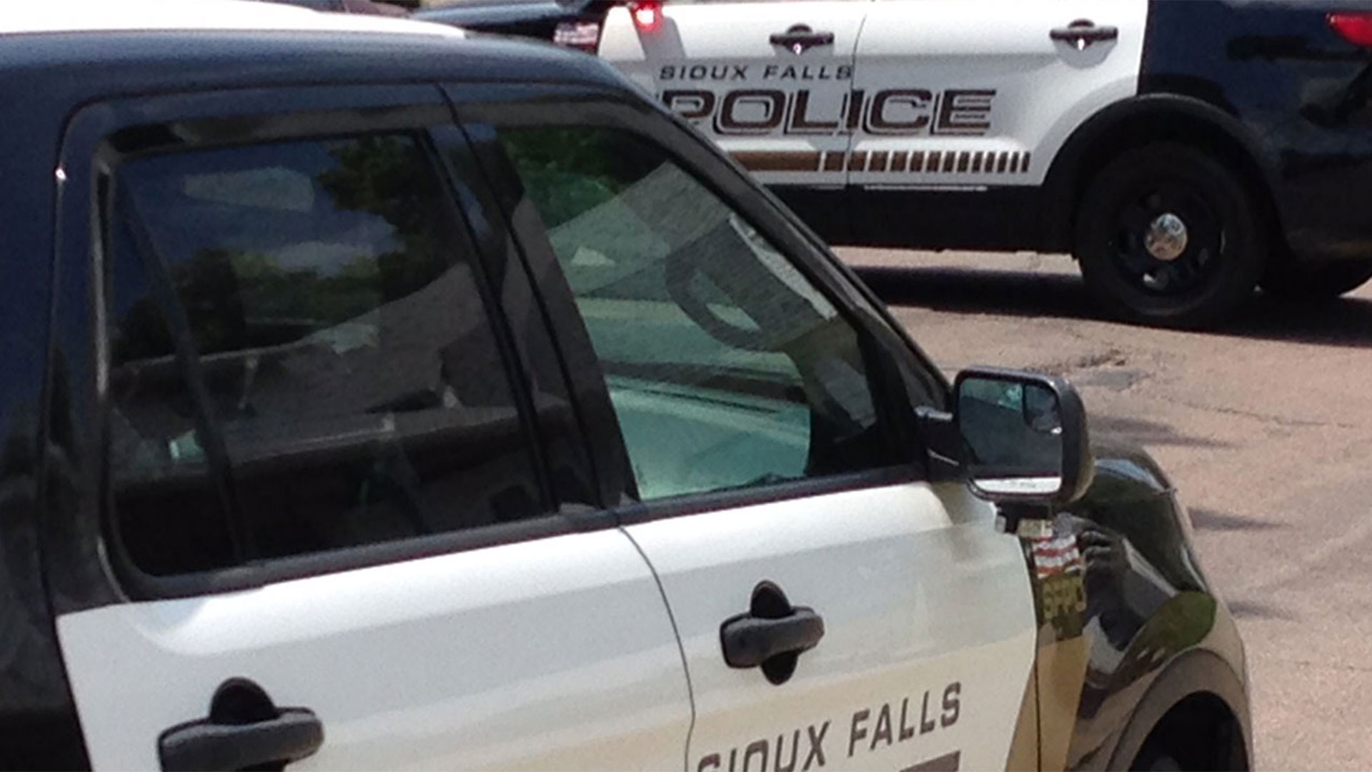 KELO Sioux Falls police DAYLIGHT squad cars
