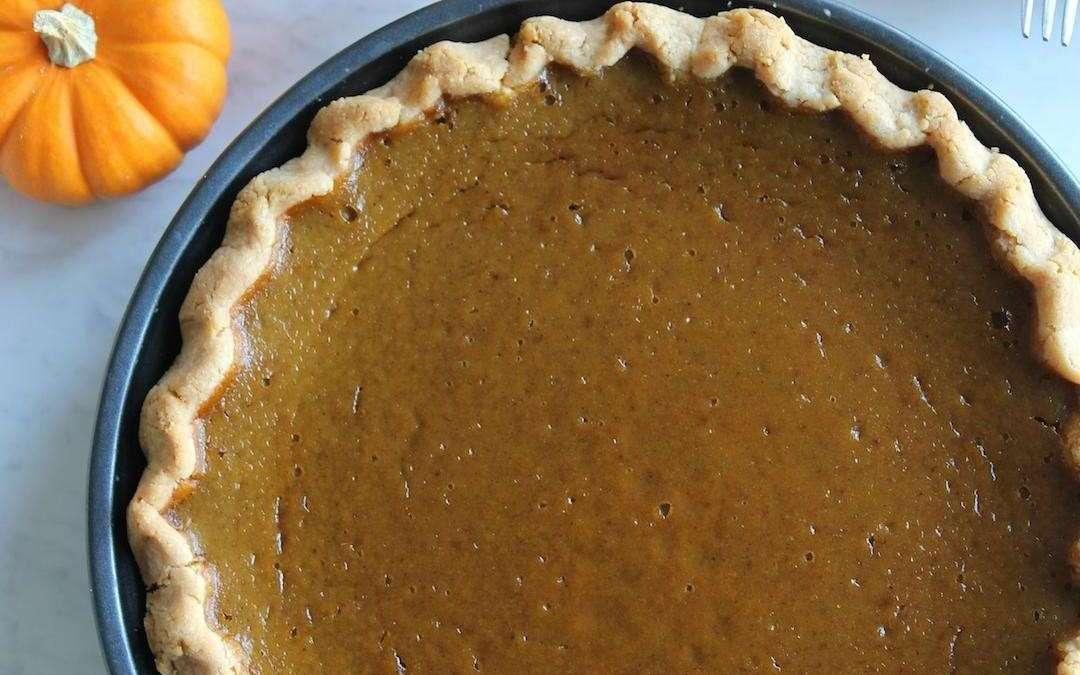 The Easiest Paleo Pumpkin Pie Recipe (Vegan-Friendly!)
