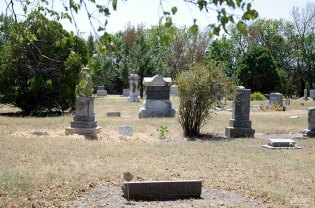 cemetery-kansas-lyona