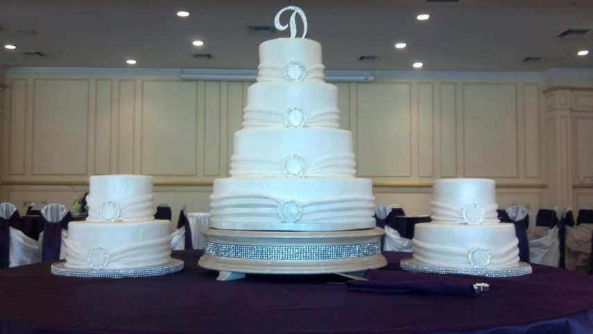 Wedding Cakes Kelsey s Kakes 0 133902 10151084668677479 148351536 o