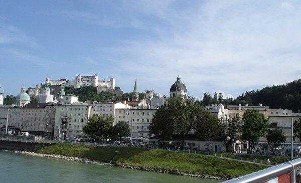 Yang Pertama, Salzburg