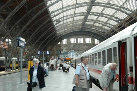 Leipzig Hauptbahnhof, Tak Sekadar Stasiun Kereta Api