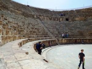 Pertunjukan gladiator kuno