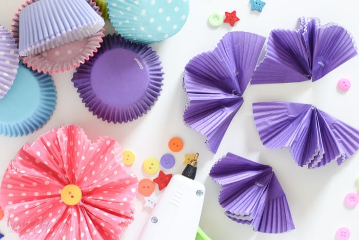 Cupcake Liners Flower Craft  A Fun and Easy Idea   Kenarry Make this cupcake liners flower craft to use for wreaths  centerpieces   banners  or