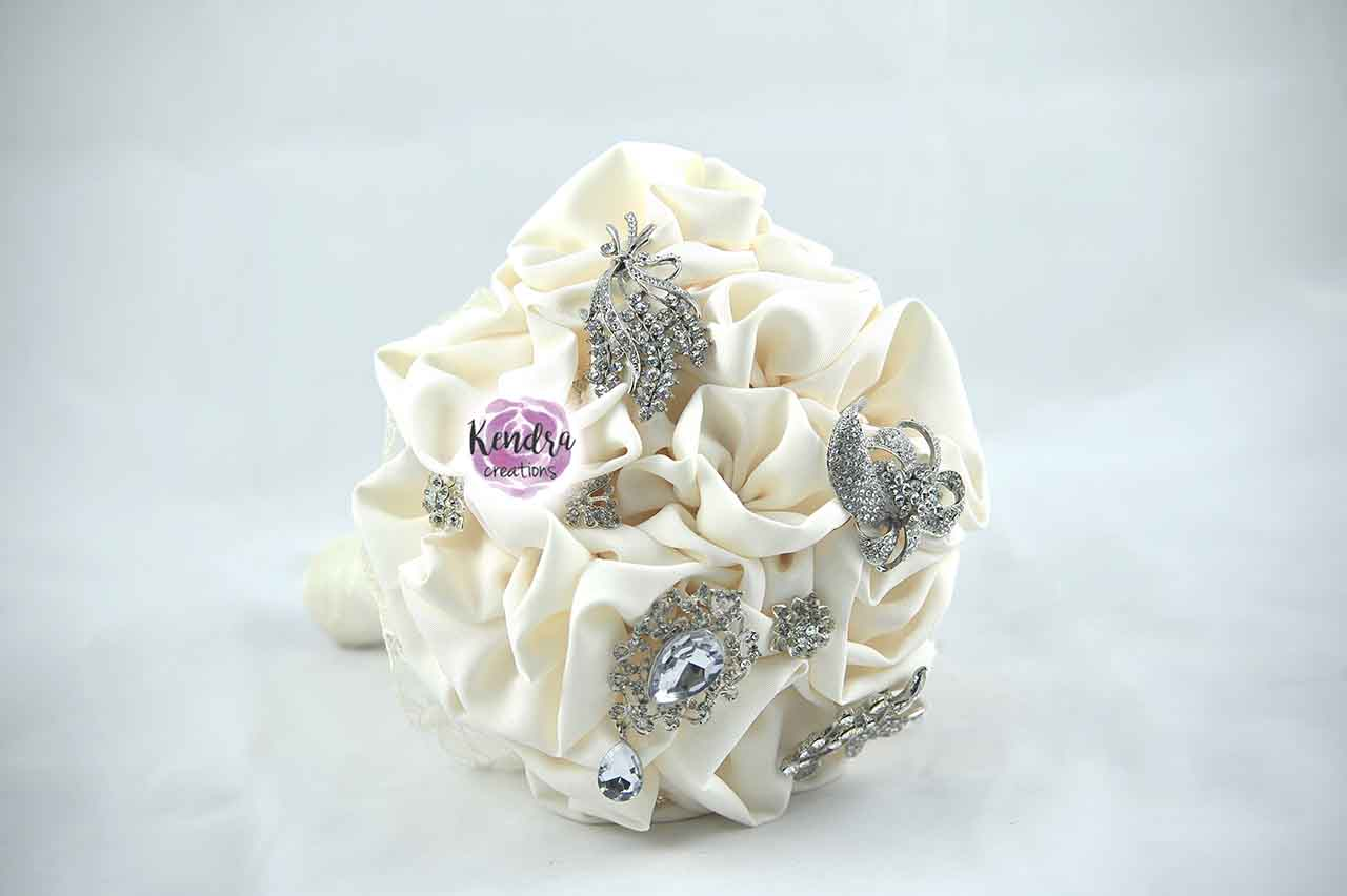 Bouquet gioiello stoffa