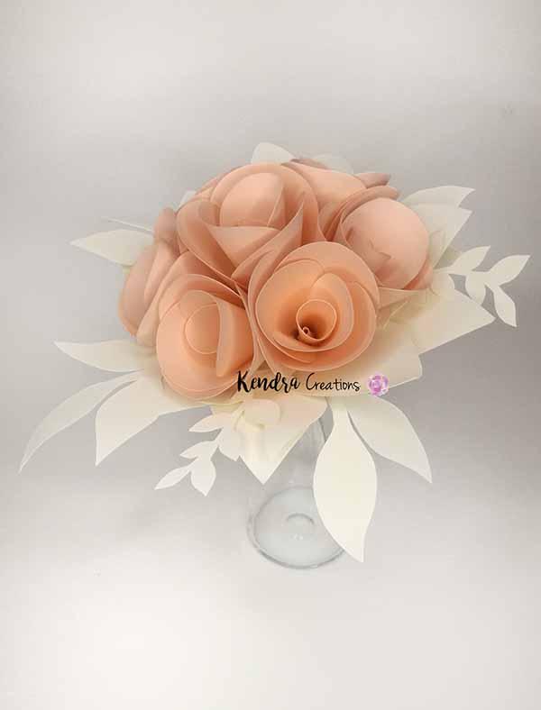 bouquet-prima-comunione con boccioli di rose