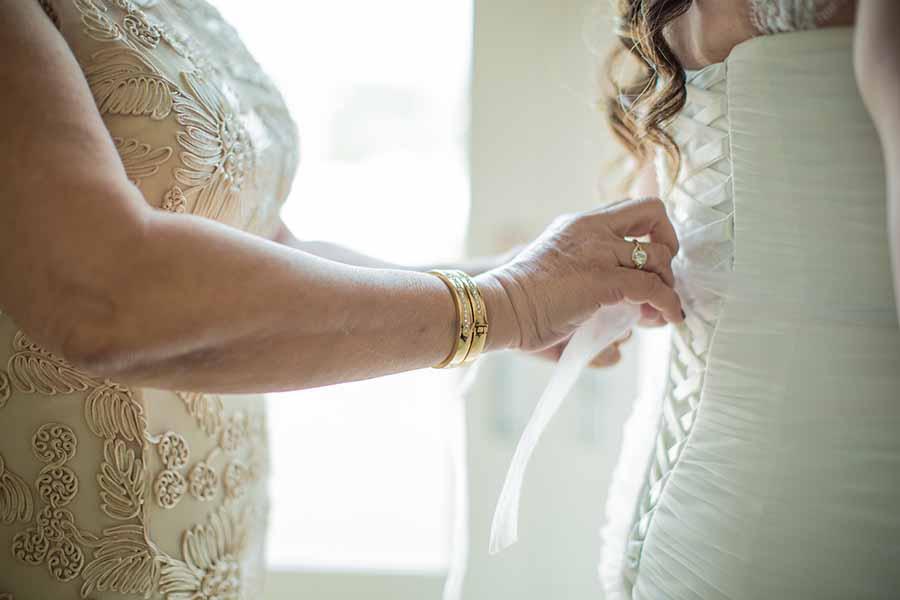 5 modi per coinvolgere la mamma durante il tuo matrimonio