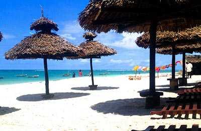 Am Strand - Hotel southern palms 4 sterne diani kenia am Indischer Ozean