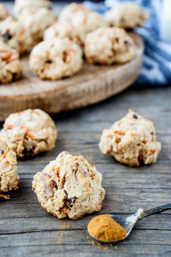 spiced carrot and oat breakfast cookie