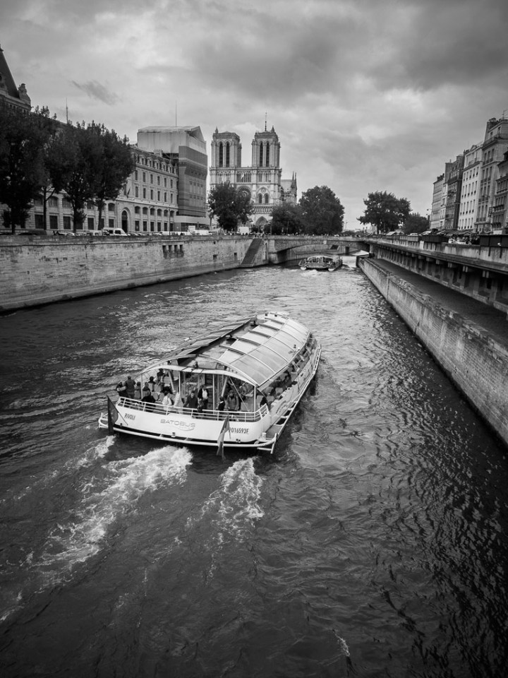 Cruising on the Seine